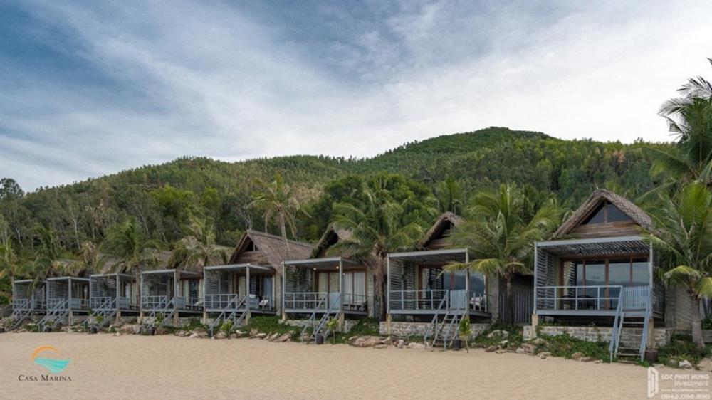 Villa hướng về bãi biển cát trắng